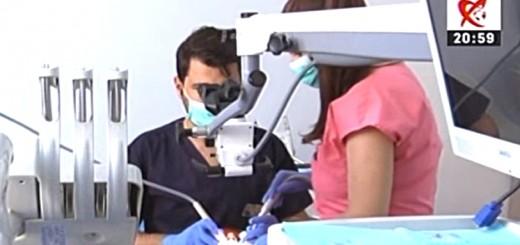 Spot Diferente si Esente - Despre implantul dentar -